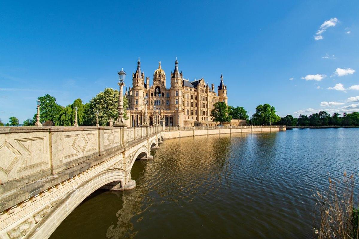 Neue Durchsageanlage für das Schloss Schwerin